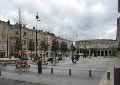 Place Jean Jaurès et Mairie – Castres (Tarn) – France